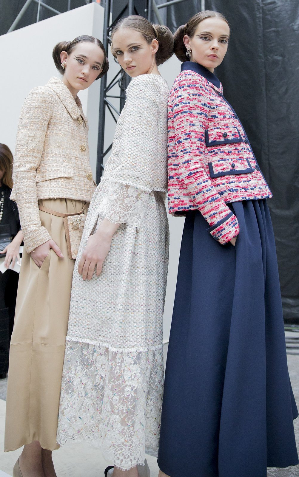 chanel-spring-2016-couture-backstage-kevin-tachman-04