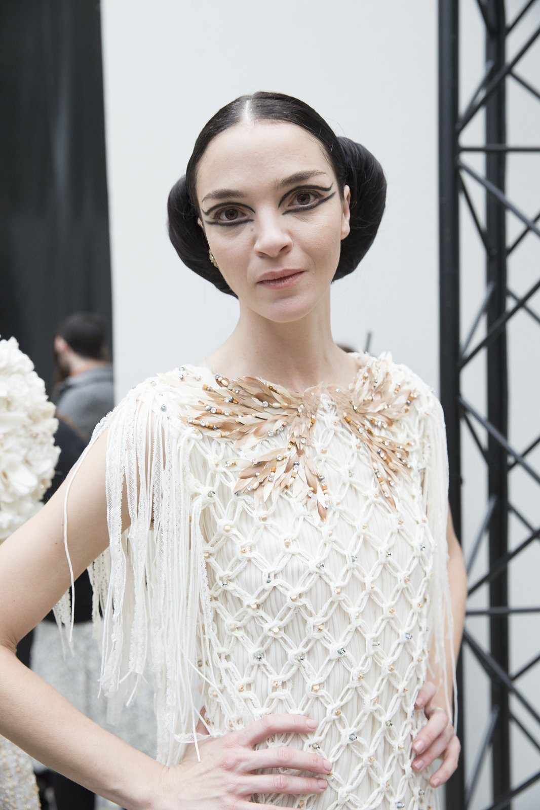 chanel-spring-2016-couture-backstage-kevin-tachman-26