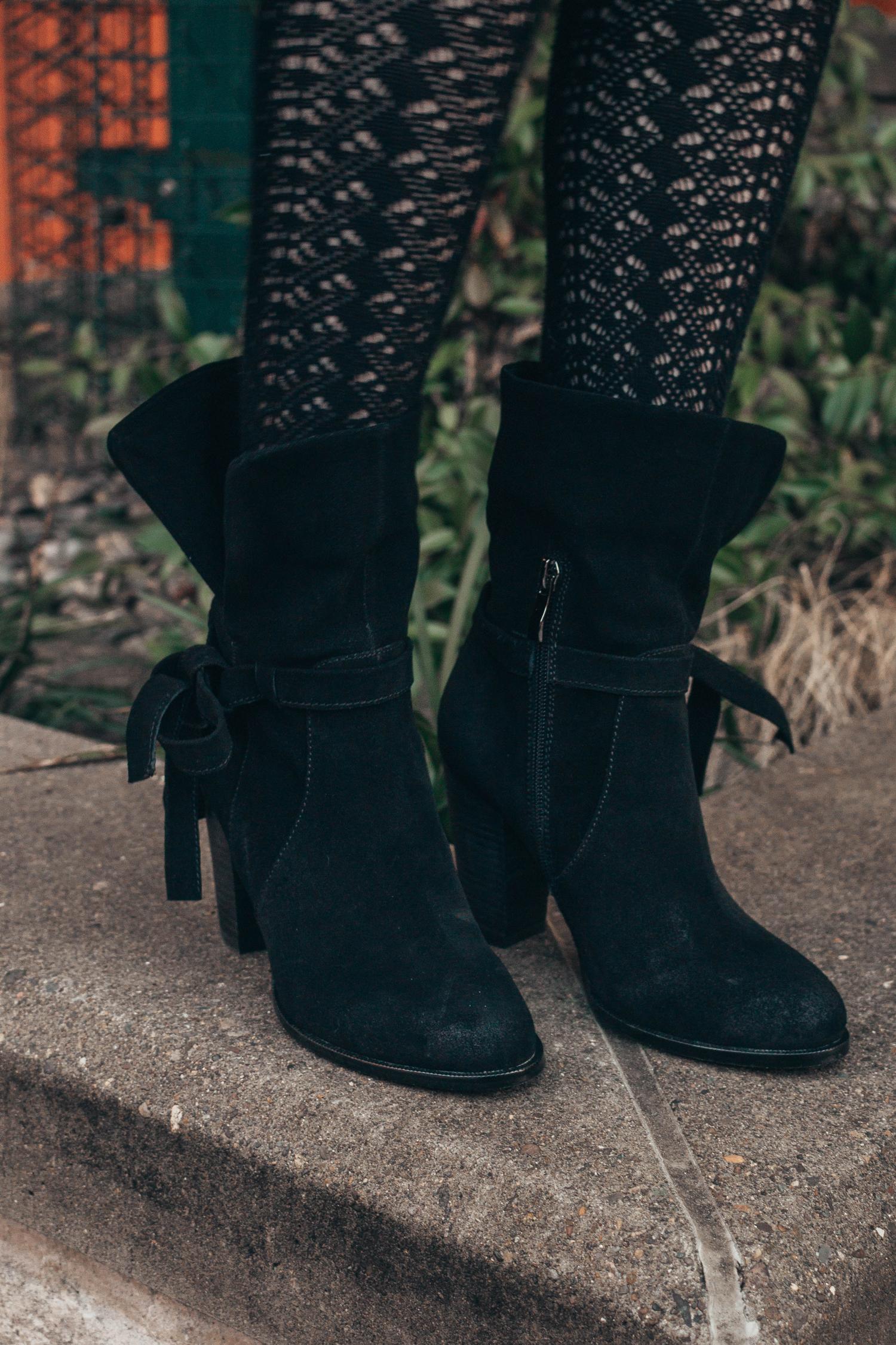 arktana shoes camas washington washougal boots heels boutique downtown bear mural
