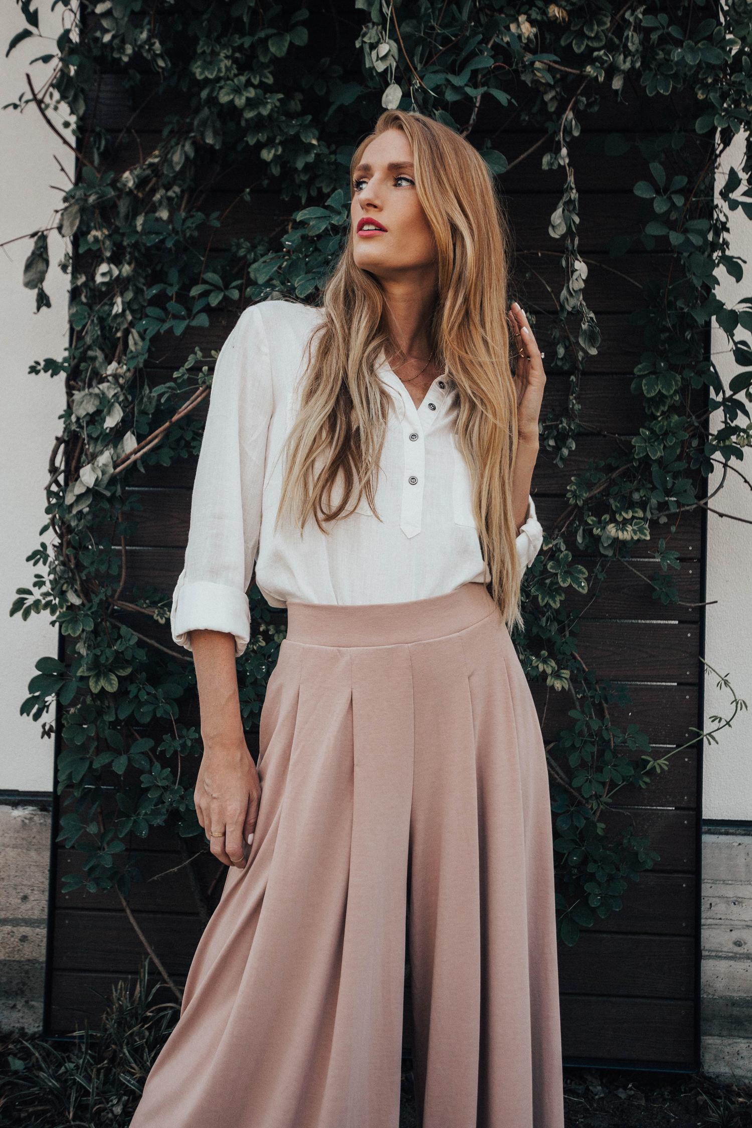 NARS Lipstick White Blouse Pink Pants